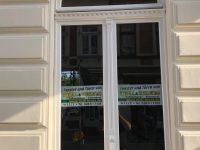 Fenster und Türen aus Holz